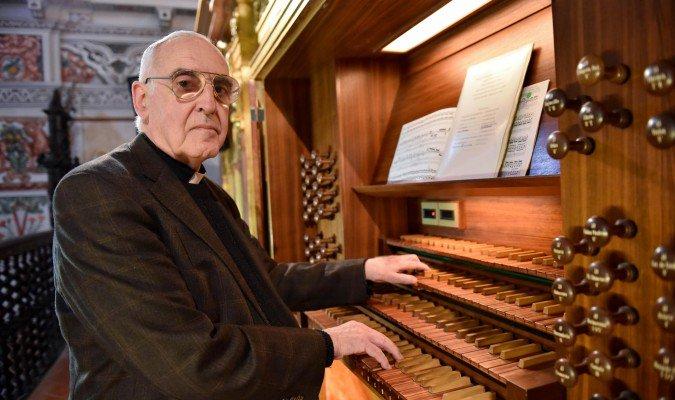 Ilmo. Sr. D. José Enrique Ayarra Jarne